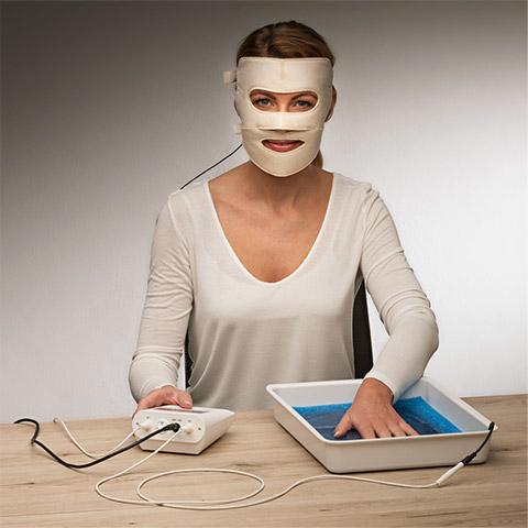 サーリオ・顔用電極パッド使用例